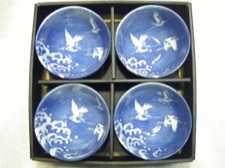 4 Piece Bowl Set with Crane Motif from Japan
