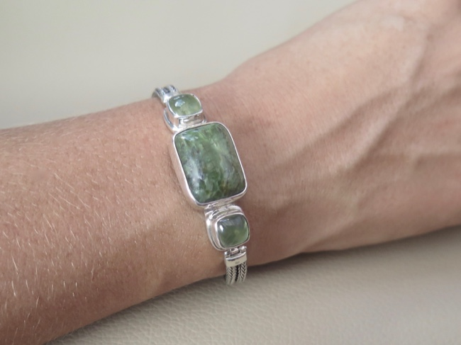 Swiss Opal with Prehnite - Click Image to Close