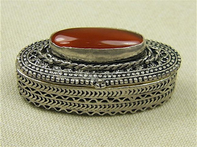 Filigree Box - Ornate Sterling with Carnelian Stone - Click Image to Close