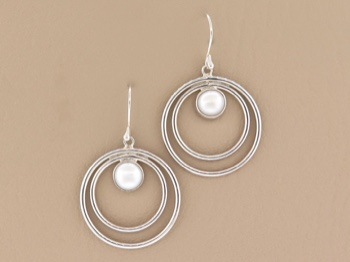 Mabe Pearl Dangles
